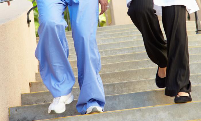 7 Best Shoes for Nurses