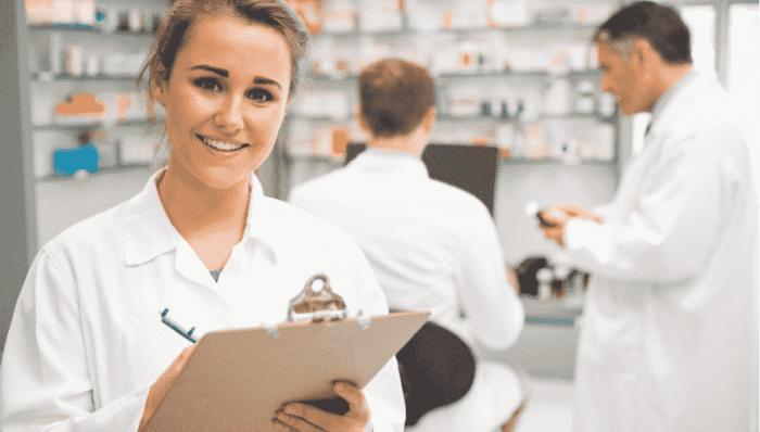 15 Reasons to Become a Pharmacist