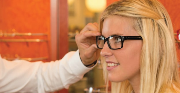 How to Become an Optician